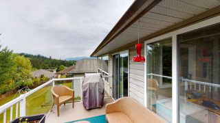 Photo 2: 5853 TURNSTONE Crescent in Sechelt: Sechelt District House for sale (Sunshine Coast)  : MLS®# R2456964