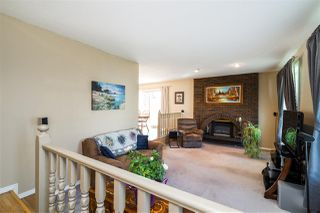 Photo 3: 1751 62 Street Edmonton 4 Bed 2.5 Bath Family House For Sale E4202239