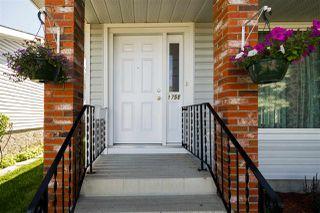 Photo 2: 1751 62 Street Edmonton 4 Bed 2.5 Bath Family House For Sale E4202239
