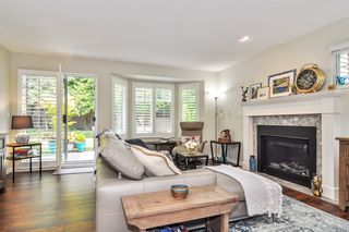 "Photo 3: 233 20391 96 Avenue in Langley: Walnut Grove Townhouse for sale in ""Chelsea Green"" : MLS®# R2489139"