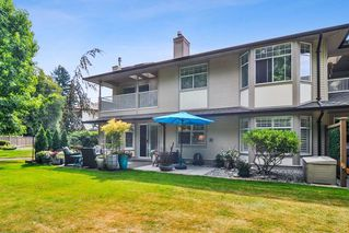 """Photo 19: 233 20391 96 Avenue in Langley: Walnut Grove Townhouse for sale in """"Chelsea Green"""" : MLS®# R2489139"""