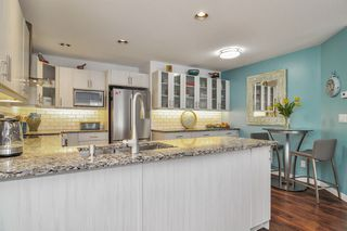 """Photo 9: 233 20391 96 Avenue in Langley: Walnut Grove Townhouse for sale in """"Chelsea Green"""" : MLS®# R2489139"""