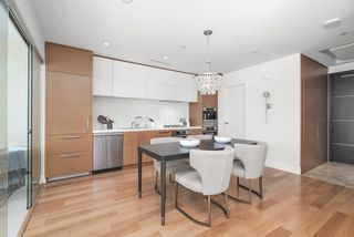 Photo 8: 1401 667 HOWE STREET in Vancouver: Downtown VW Condo for sale (Vancouver West)  : MLS®# R2510203