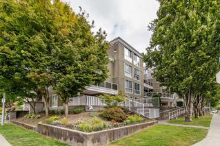 "Photo 17: PH1 2485 ATKINS Avenue in Port Coquitlam: Central Pt Coquitlam Condo for sale in ""THE ESPLANADE"" : MLS®# R2403301"