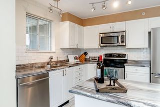 "Photo 5: PH1 2485 ATKINS Avenue in Port Coquitlam: Central Pt Coquitlam Condo for sale in ""THE ESPLANADE"" : MLS®# R2403301"