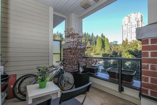 Photo 5: 311-245 Ross Drive in New Westminster: Fraserview NW Condo for sale : MLS®# R241148