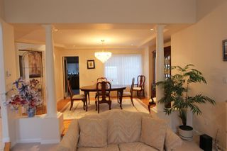 Photo 4: 667 FAIRVIEW Street in Coquitlam: Coquitlam West House for sale : MLS®# R2425284