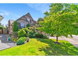 """Photo 2: 15738 34 Avenue in Surrey: Morgan Creek House for sale in """"Carriage Green"""" (South Surrey White Rock)  : MLS®# R2459448"""