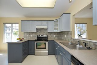 """Photo 10: 44 20222 96 Avenue in Langley: Walnut Grove Townhouse for sale in """"WINDSOR GARDENS"""" : MLS®# R2486972"""