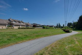 """Photo 32: 44 20222 96 Avenue in Langley: Walnut Grove Townhouse for sale in """"WINDSOR GARDENS"""" : MLS®# R2486972"""