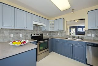 """Photo 9: 44 20222 96 Avenue in Langley: Walnut Grove Townhouse for sale in """"WINDSOR GARDENS"""" : MLS®# R2486972"""