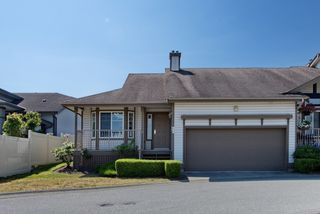 """Photo 1: 44 20222 96 Avenue in Langley: Walnut Grove Townhouse for sale in """"WINDSOR GARDENS"""" : MLS®# R2486972"""