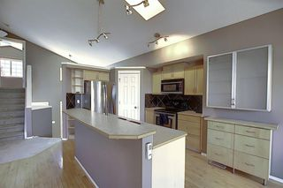 Photo 5: 621 COVENTRY Drive NE in Calgary: Coventry Hills Detached for sale : MLS®# A1028324