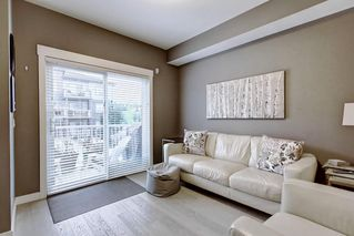 Photo 4: 2103 5305 32 Avenue SW in Calgary: Glenbrook Row/Townhouse for sale : MLS®# C4267910