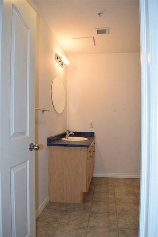 Photo 5: 702 10106 105 Street in Edmonton: Zone 12 Condo for sale : MLS®# E4177162