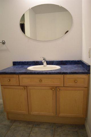 Photo 8: 702 10106 105 Street in Edmonton: Zone 12 Condo for sale : MLS®# E4177162