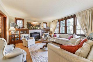 Photo 3: 10015 97 Avenue in Edmonton: Zone 12 House for sale : MLS®# E4177482