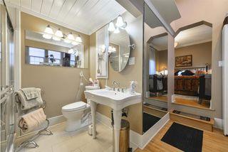 Photo 12: 10015 97 Avenue in Edmonton: Zone 12 House for sale : MLS®# E4177482