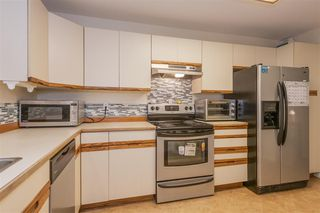 Photo 7: 3978 CREEKSIDE Place in Burnaby: Burnaby Hospital Townhouse for sale (Burnaby South)  : MLS®# R2422562