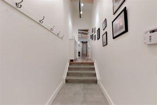 Photo 2: 301 11633 105 Avenue in Edmonton: Zone 08 Condo for sale : MLS®# E4183753