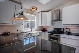 Photo 6: 24 2740 Stautw Road in SAANICHTON: CS Hawthorne Manu Double-Wide for sale (Central Saanich)  : MLS®# 423307