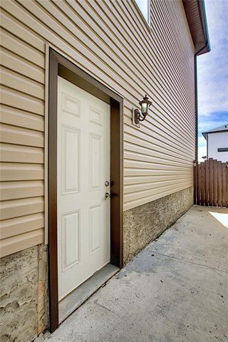 Photo 4: 312 SADDLEMONT Boulevard NE in Calgary: Saddle Ridge Detached for sale : MLS®# C4299986
