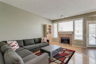 Photo 2: 74 INVERNESS Square SE in Calgary: McKenzie Towne Row/Townhouse for sale : MLS®# A1017936
