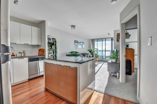 "Photo 11: 1502 151 W 2ND Street in North Vancouver: Lower Lonsdale Condo for sale in ""SKY"" : MLS®# R2528948"
