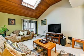 Photo 10: 405 13316 OLD YALE Road in Surrey: Whalley Condo for sale (North Surrey)  : MLS®# R2413506