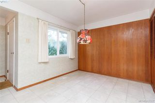 Photo 8: 591 Baker St in VICTORIA: SW Glanford Single Family Detached for sale (Saanich West)  : MLS®# 827906