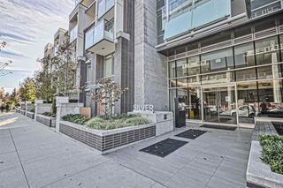 Photo 2: 402 6333 SILVER Avenue in Burnaby: Metrotown Condo for sale (Burnaby South)  : MLS®# R2416343