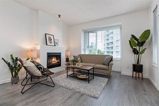 """Photo 3: 411 4783 DAWSON Street in Burnaby: Brentwood Park Condo for sale in """"COLLAGE"""" (Burnaby North)  : MLS®# R2480610"""