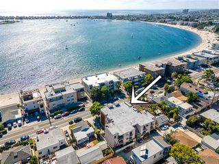 Photo 5: PACIFIC BEACH Condo for sale : 2 bedrooms : 3745 Riviera Dr #1 in San Diego