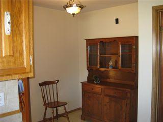 Photo 9: 14 Vincent Massey Boulevard in Winnipeg: Windsor Park Residential for sale (2G)  : MLS®# 202025939