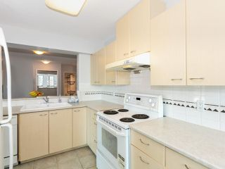 Photo 5: 805 5848 OLIVE Avenue in Burnaby: Metrotown Condo for sale (Burnaby South)  : MLS®# R2412476