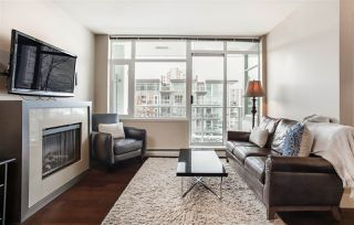 """Main Photo: 202 1320 CHESTERFIELD Avenue in North Vancouver: Central Lonsdale Condo for sale in """"Vista Place"""" : MLS®# R2429649"""