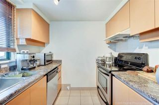 """Photo 6: 1302 1238 MELVILLE Street in Vancouver: Coal Harbour Condo for sale in """"POINTE CLAIRE"""" (Vancouver West)  : MLS®# R2432626"""