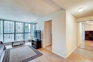 "Photo 4: 1302 1238 MELVILLE Street in Vancouver: Coal Harbour Condo for sale in ""POINTE CLAIRE"" (Vancouver West)  : MLS®# R2432626"