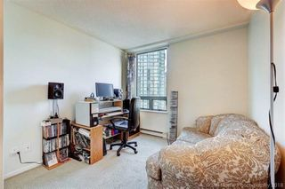 """Photo 9: 1302 1238 MELVILLE Street in Vancouver: Coal Harbour Condo for sale in """"POINTE CLAIRE"""" (Vancouver West)  : MLS®# R2432626"""