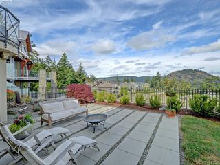 Photo 19: 1094 Bearspaw Plateau in VICTORIA: La Bear Mountain Single Family Detached for sale (Langford)  : MLS®# 421356