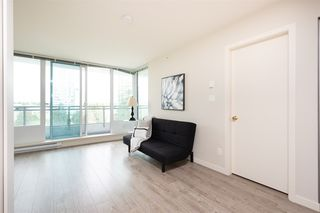 "Photo 7: 804 13303 CENTRAL Avenue in Surrey: Whalley Condo for sale in ""The Wave"" (North Surrey)  : MLS®# R2461972"