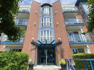 """Photo 3: 107 20277 53 Avenue in Langley: Langley City Condo for sale in """"Metro II"""" : MLS®# R2468327"""