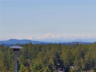 Photo 1: 664 Orca Pl in Colwood: Co Triangle House for sale : MLS®# 842297