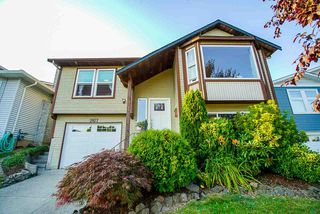 Photo 1: 2827 WOODLAND Drive in Langley: Willoughby Heights House for sale : MLS®# R2482085