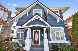 "Main Photo: 3592 PETERSHAM Avenue in Vancouver: Killarney VE House for sale in ""KILLARNEY"" (Vancouver East)  : MLS®# R2403334"