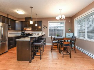 Photo 12: 13 2112 Cumberland Rd in COURTENAY: CV Courtenay City Row/Townhouse for sale (Comox Valley)  : MLS®# 831263