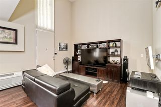 Photo 2: DOWNTOWN Condo for sale : 1 bedrooms : 985 Island Ave #1 in San Diego