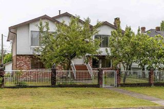 """Photo 1: 439 W 15TH Street in North Vancouver: Central Lonsdale House for sale in """"MAHON"""" : MLS®# R2464698"""