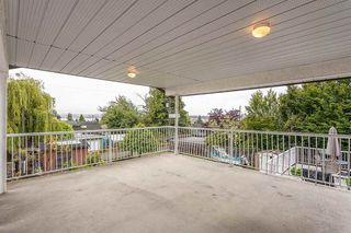 """Photo 15: 439 W 15TH Street in North Vancouver: Central Lonsdale House for sale in """"MAHON"""" : MLS®# R2464698"""