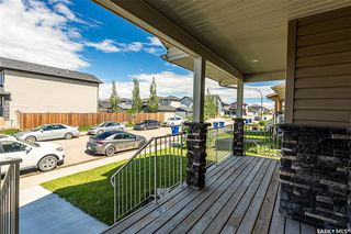 Photo 3: 831 Willowgrove Crescent in Saskatoon: Willowgrove Residential for sale : MLS®# SK813010